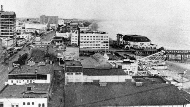 Downtown Long Beach in the early 1900s.